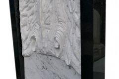 066 Rzezba z marmuru - pomnik z rzezba, Bierun, rzezbiarz Janusz Moroń