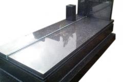 049 Nagrobek granitowy ze szkłem, Targanice