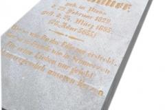 42 Tablica nagrobna z marmuru po odrestaurowaniu wraz z liternictwem, Pszczyna