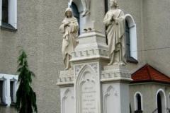 Rzezby - pomnik po renowacji