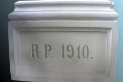 tablica i napis po renowacji