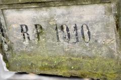 tablica 1910 przed renowacja