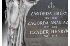 12_rzezba_z_granitu_-_placzacy_aniol