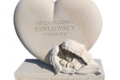 007 rzezba z piaskowca - tablica dziecieca w ksztalcie serca z dwoma aniolkami, Warszawa, rzezbiarz Janusz Moroń