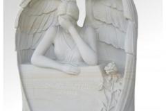 009-rzezba-z-piaskowca-placzacy-aniol-w-skrzydlach-poznan