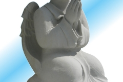 015-rzezba-z-piaskowca-chlopiec-ze-skrzydelkami