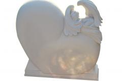 033-rzezba-z-piaskowca-serce-z-aniolkiem
