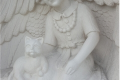 037-rzezba-z-piaskowca-dziewczynka-w-skrzydlach-pszczyna