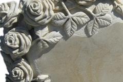 046-rzezba-z-piaskowca-kwiaty-roze-tychy