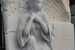 104 Plaskorzezba aniola z piaskowca, Ruda Slaska, rzezbiarz Janusz Moroń
